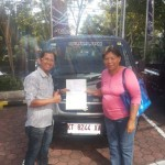 Foto Penyerahan Mobil 3 Sales Marketing Dealer Suzuki Balikpapan