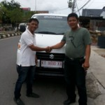 Foto Penyerahan Mobil 6 Sales Marketing Dealer Suzuki Balikpapan