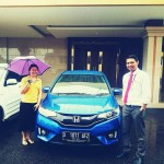 Foto Penyerahan Unit 1 Sales Marketing Mobil Dealer Honda Aris