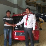 foto-penyerahan-unit-1-sales-marketing-mobil-honda-purwakarta-andri-naldi