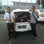 Foto Penyerahan Unit 2 Sales Marketing Mobil Dealer Mobil Honda Anton