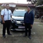 Foto Penyerahan Unit 3 Sales Marketing Mobil Dealer Honda Kevin