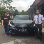 Foto Penyerahan Unit 5 Sales Marketing Mobil Dealer Honda Bandung Fadli