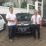 Foto Penyerahan Unit 6 Sales Marketing Mobil Dealer Honda Bandung Fadli
