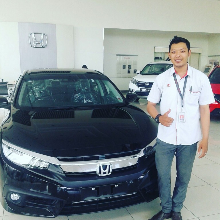 Sales-Marketing-Mobil-Dealer-Honda-Ciamis