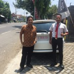 Foto Penyerahan Unit 3 Sales Marketing Mobil Dealer Honda Djalil