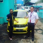 Foto Penyerahan Unit 3 Sales Marketing Mobil Dealer Honda Jember Mero