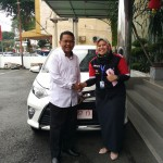 Foto Penyerahan Unit 6 Sales Marketing Mobil Dealer Toyota Asriyanti