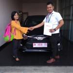 Foto Penyerahan Unit 1 Sales Marketing Mobil Dealer Toyota Genta