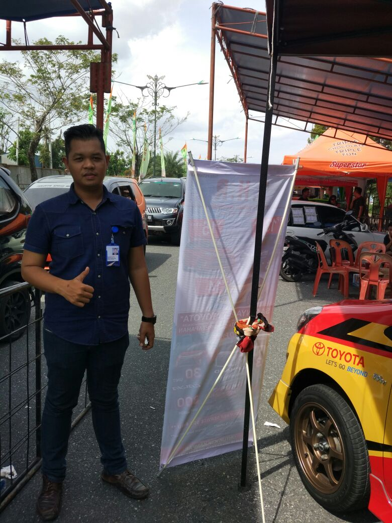 Sales Marketing Mobil Dealer Toyota Pekanbaru Genta
