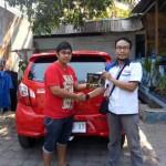 Foto Penyerahan Unit 3 Sales Marketing Mobil Dealer Daihatsu Semarang By Arif