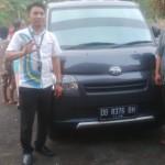 Foto Penyerahan Unit 7 Sales Marketing Mobil Dealer Daihatsu Manado Julianus Tiney SE