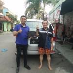 Foto Penyerahan Unit 8 Sales Marketing Mobil Dealer Daihatsu Surabaya Ekky
