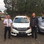 Foto Penyerahan Unit 4 Sales Marketing Mobil Dealer Honda Bandung Fadli