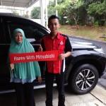 Foto Penyerahan Unit 1 Sales Marketing Mobil Dealer Mitsubishi Jakarta Riyadi