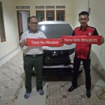 Foto Penyerahan Unit 5 Sales Marketing Mobil Dealer Mitsubishi Jakarta Riyadi