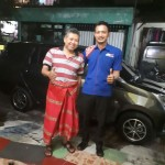 Foto Penyerahan Unit 3 Sales Marketing Mobil Dealer Toyota Surabaya Indra