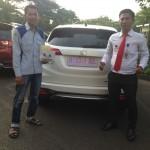 Foto Penyerahan Unit 4 Sales Marketing Mobil Dealer Honda Kranji Yusnardi