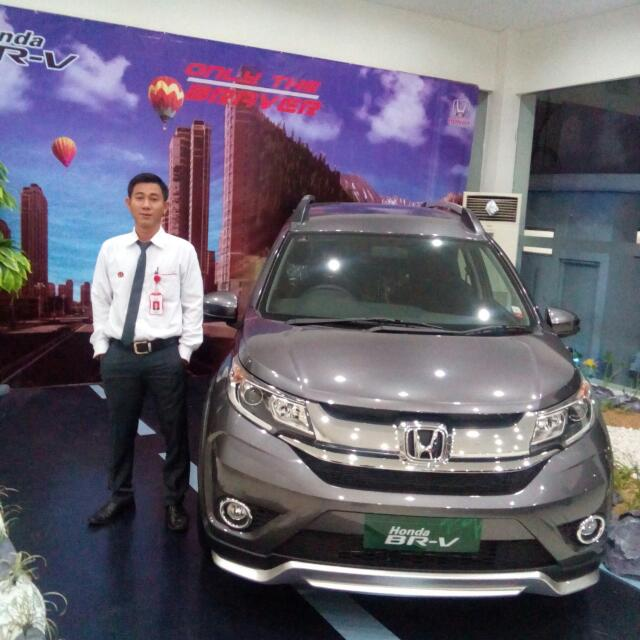 Sales Marketing Mobil Dealer Honda Kranji Yusnardi