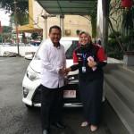 Foto Penyerahan Unit 6 Sales Marketing Mobil Dealer Toyota Asriyanti
