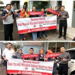 Foto Penyerahan Unit 8 Sales Marketing Mobil Dealer Mitsubishi Sri Mulyati