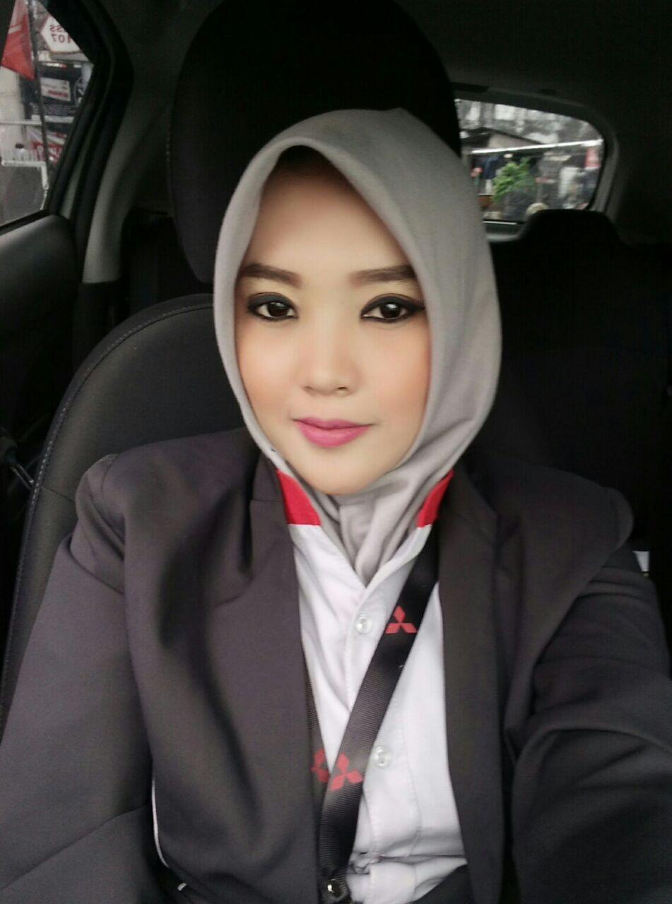 Sales Marketing Mitsubishi Tasikmalaya Ari Sundari