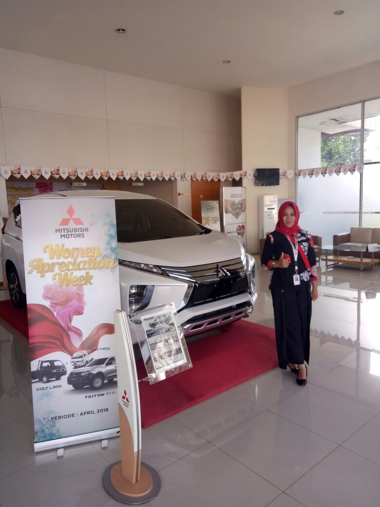 Sales Marketing Mobil Dealer Mitsubishi Sri Mulyati