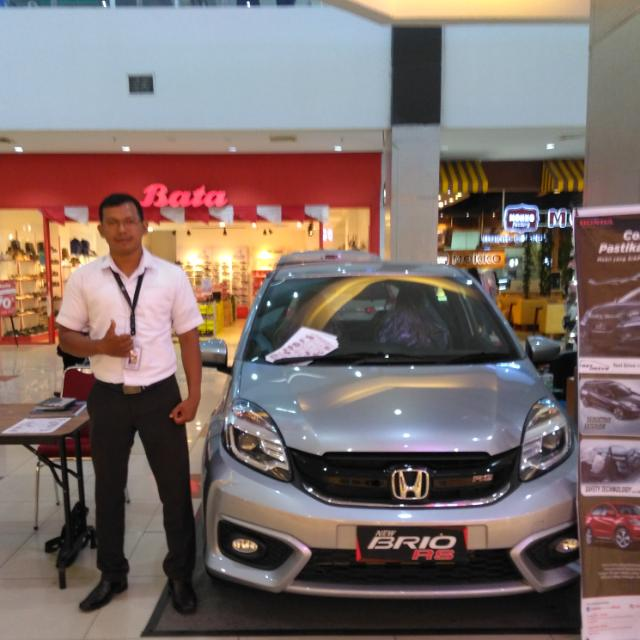 Sales Marketing Mobil Dealer Honda Irwandi