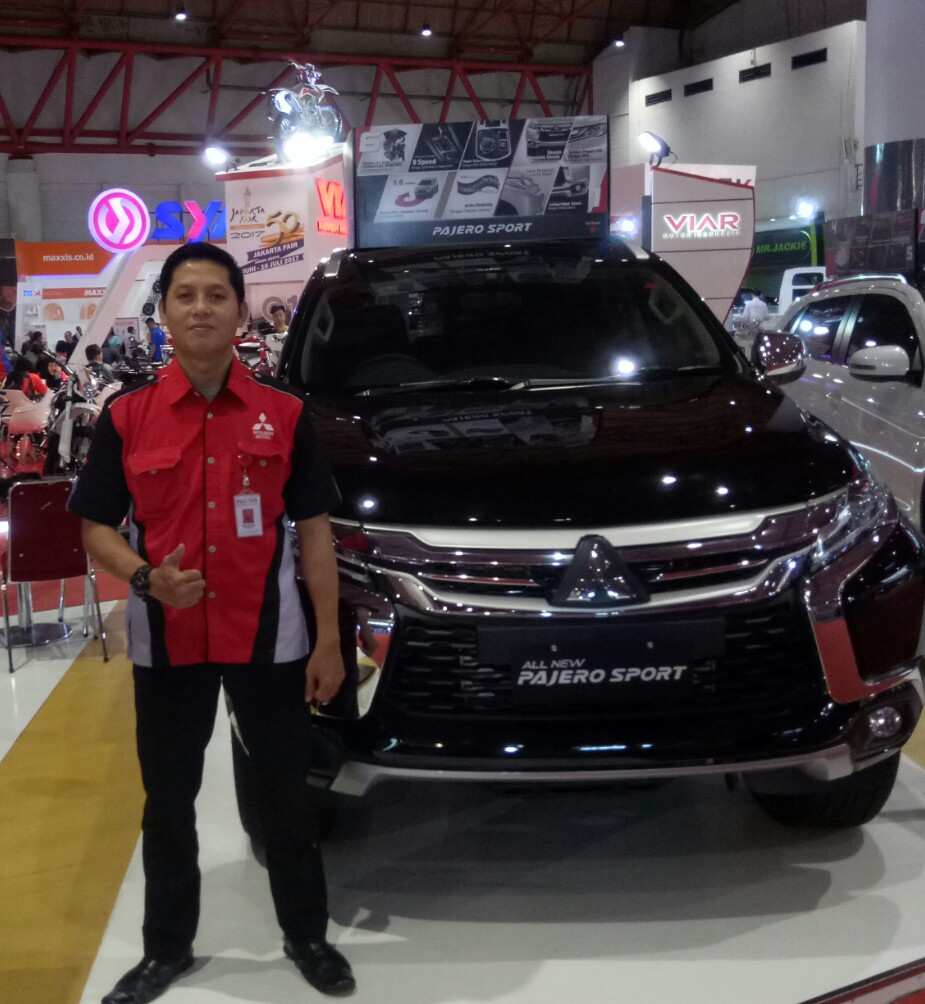 Sales Marketing Mobil Dealer Mitsubishi Giri