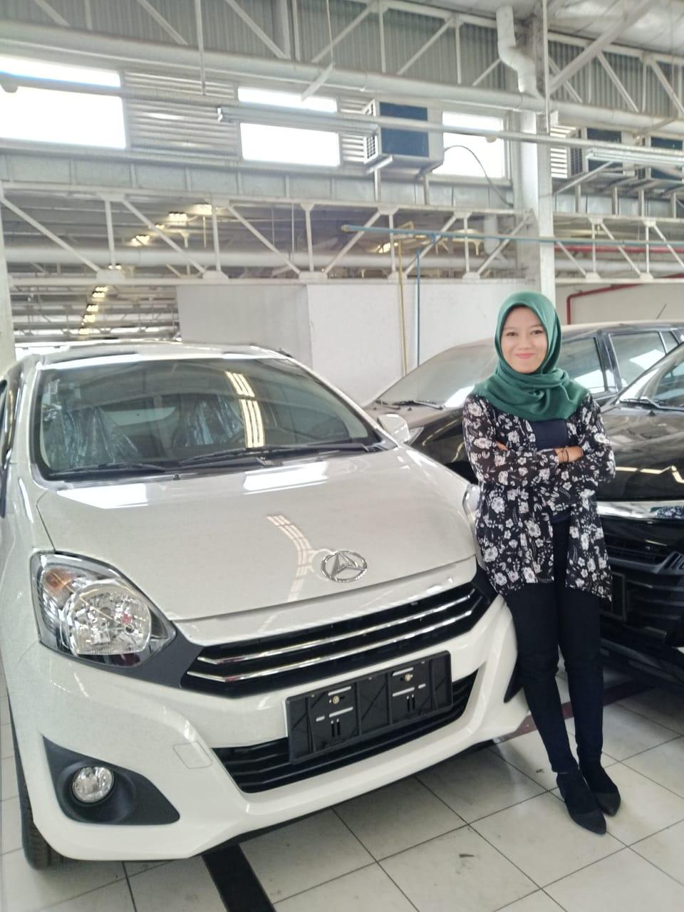 Sales Marketing Mobil Dealer Daihatsu Fitri